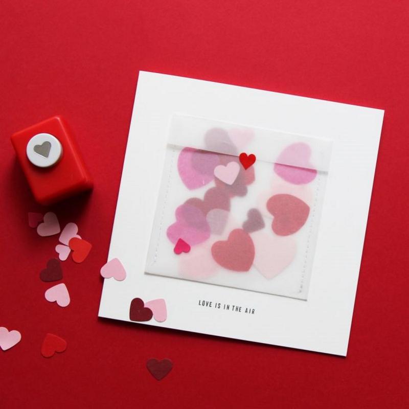 Grußkarte LOVE IS IN THE AIR